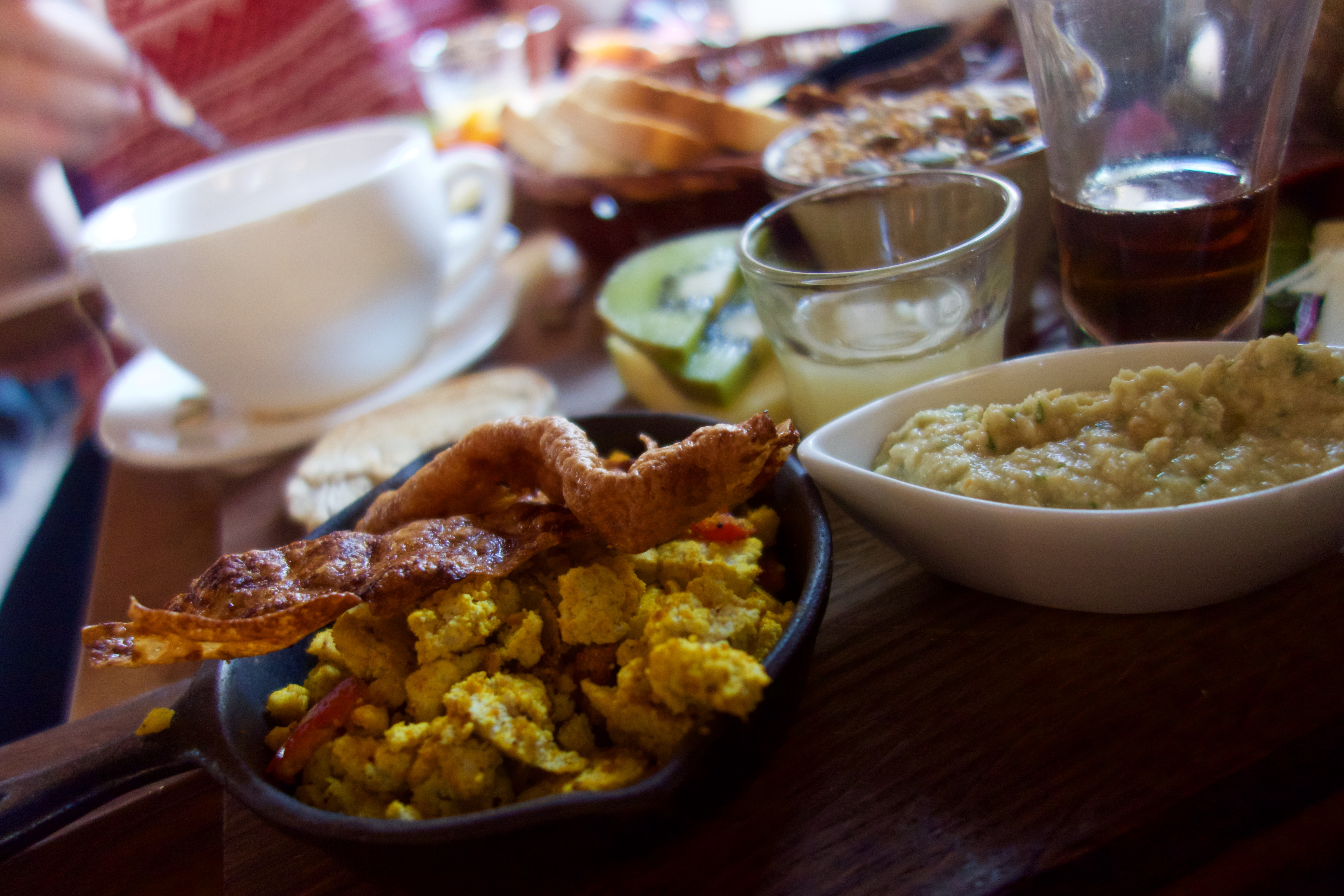Scrambled tofu with rice paper bacon